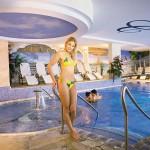 Wellnessbereich mit Pool im Wellnesshotel Cinderella Obertauern