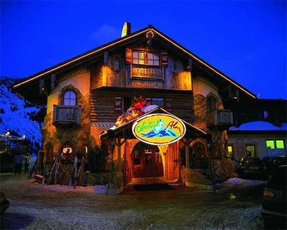 Latsch´n Alm, das gemütliche Mittags- und Abendrestaurant & Aprés Ski Location